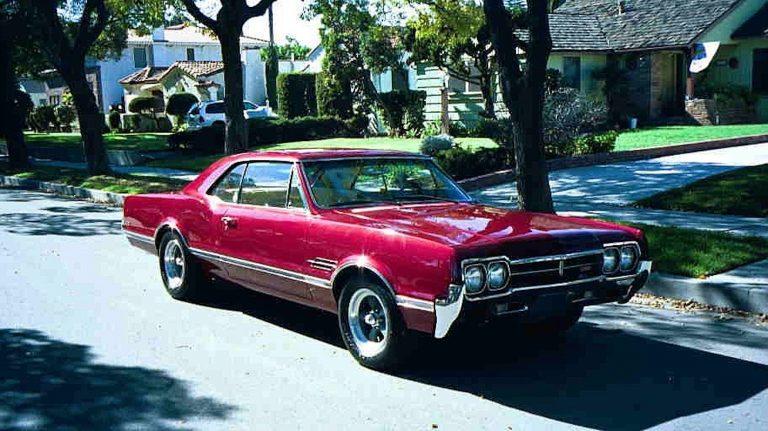 1966 442 Tri-Power